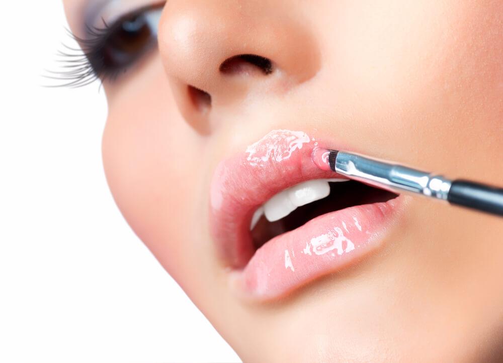 maquillaje glossy labios
