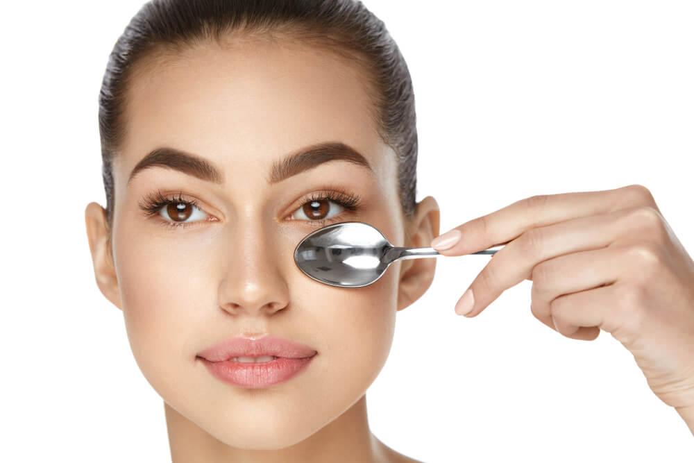 usos de la cuchara en el rostro