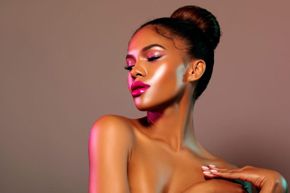 como hacer un maquillaje glossy