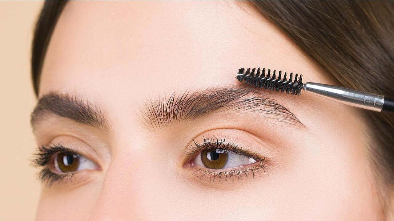 maquillaje para cejas