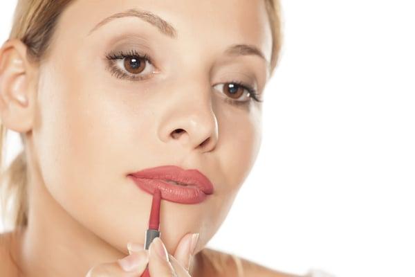 delineador de labios permanente